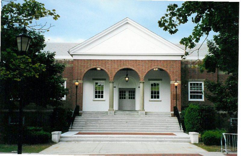Stonehill College – Cushing Martin Library